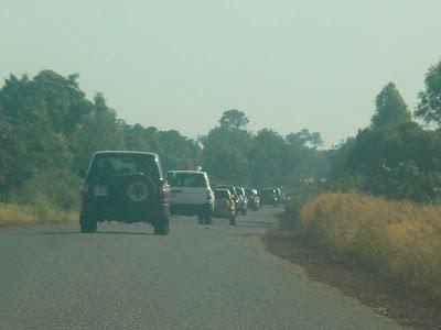 Imagini Mali: convoiul prezidential al lui ATT