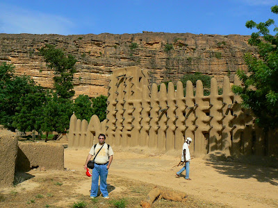 Obiective turistice Mali: moschee in Pays Dogon