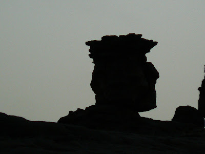 Imagini Mali: statuia lui Cezar din Pays Dogon