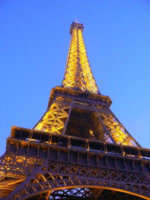 Obiective turistice Franta: turnul Eiffel Paris