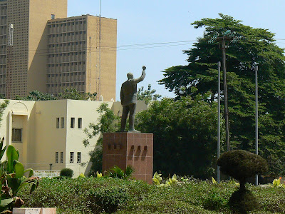 Imagini Mali: statuie Patrice Lumumba