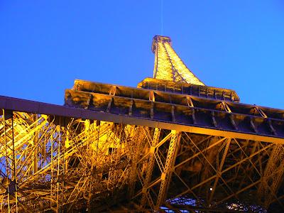 Imagini Franta: turnul Eiffel Paris
