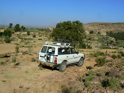 Imagini Etiopia: jeep in Tigray