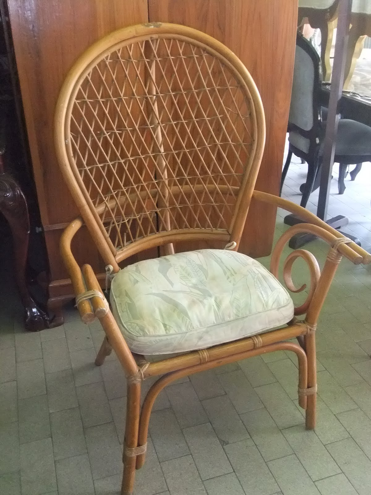FURNITURE FINDS OF THE WEEK.