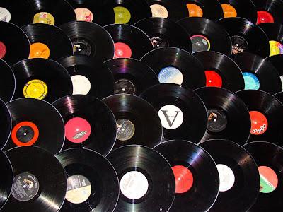 http://3.bp.blogspot.com/_Dhc9Fg8sxAc/SVgvwRBniqI/AAAAAAAACTw/QrQYt1qeIos/s400/Viva+Terra+100+Record+Bowls+2008+(3).jpg
