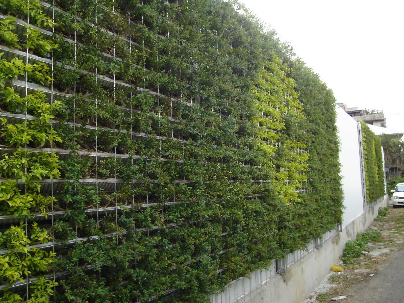 樹花園城市綠化專題: 建築工地綠化大躍進!! 眾多廠商採用樹花園植生綠籬系統