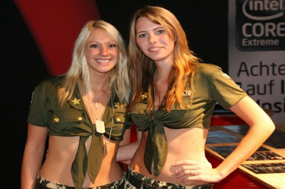 GamesCon Booth Babes