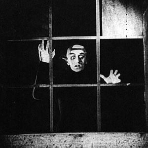 Nosferatu+at+the+window.jpg