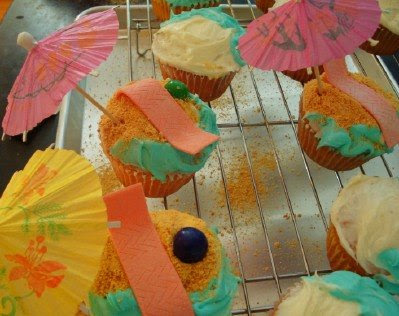Like Merchant Ships: Summer Party Cupcakes