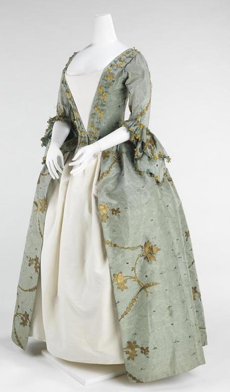 [robe+a+la+anglaise+front.jpg]