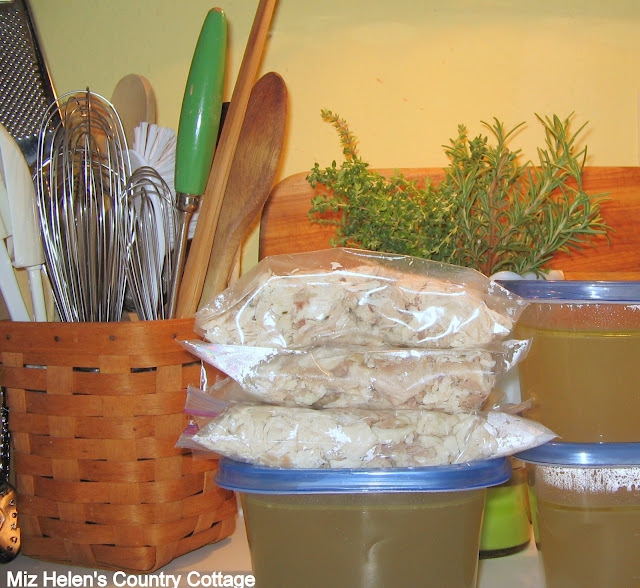 Whats For Dinner Next Week: Stewed Chicken at Miz Helen's Country Cottage