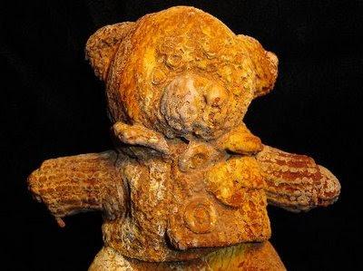 http://3.bp.blogspot.com/_E87qS3OzVLQ/SVhxmmvKG6I/AAAAAAAADcE/MM7W46U9C9g/s1600-h/petrified_teddy_bear.jpg