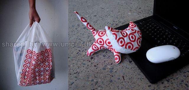 http://3.bp.blogspot.com/_EHi0bg7zYcQ/TJmyl7psuAI/AAAAAAAAFVI/Ee5lmd8wShA/s1600/plastic_bag_artwork_640_23.jpg