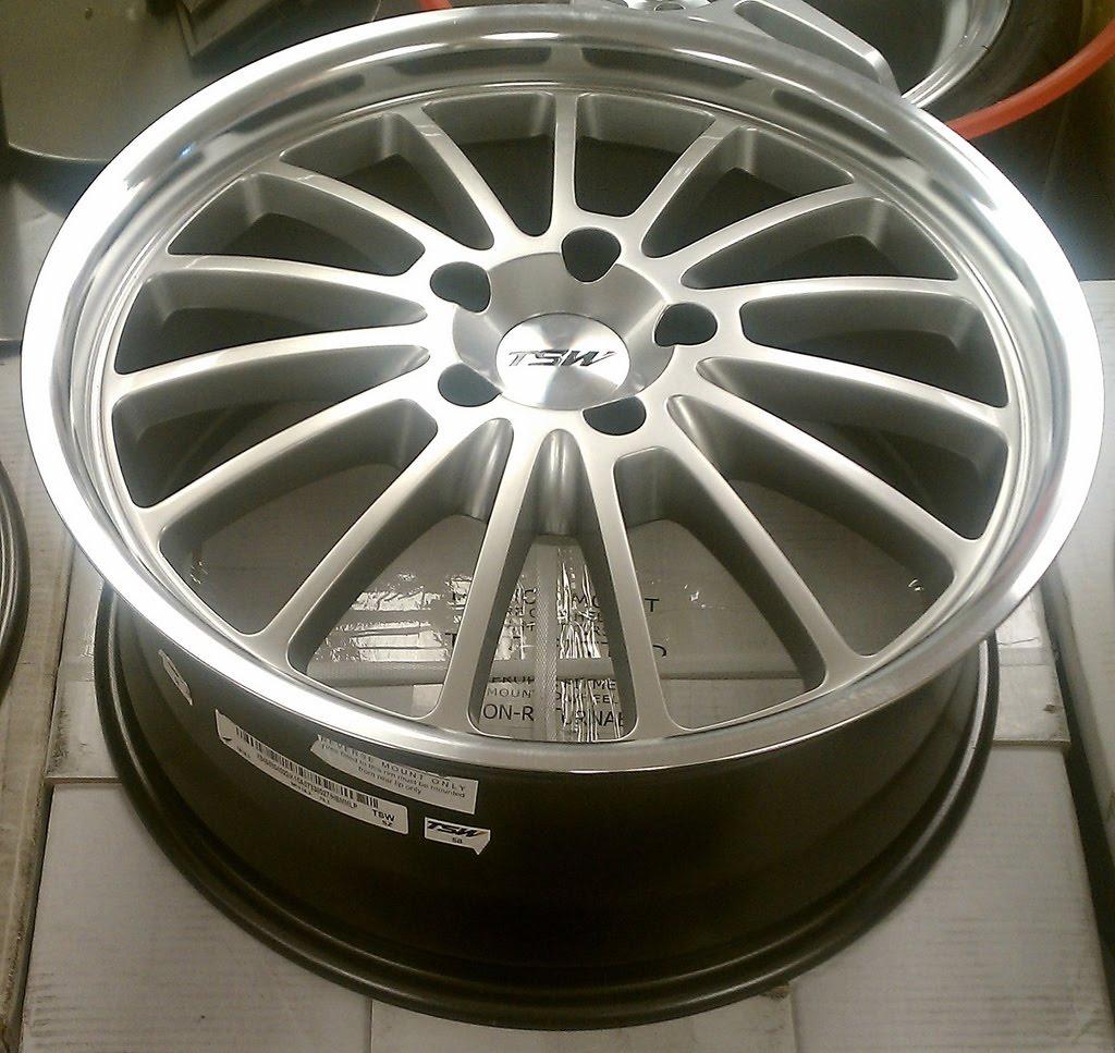 A2i Tsw Zolder 17 Inch Hyper Silver