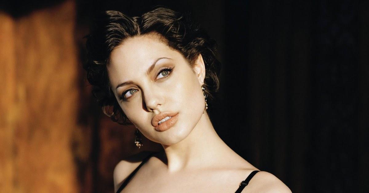 Foto Artis: Angelina Jolie