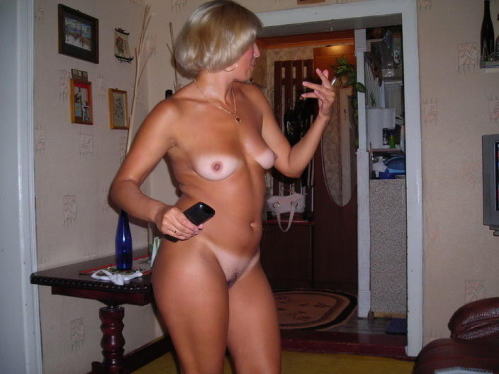 Amateur wife tan lines
