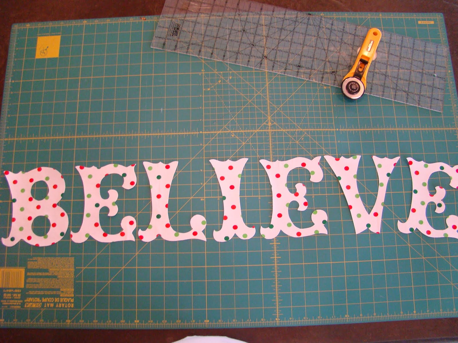 photo relating to Free Printable Alphabet Templates for Applique named No cost Applique Letter Patterns - Visualize Plans References