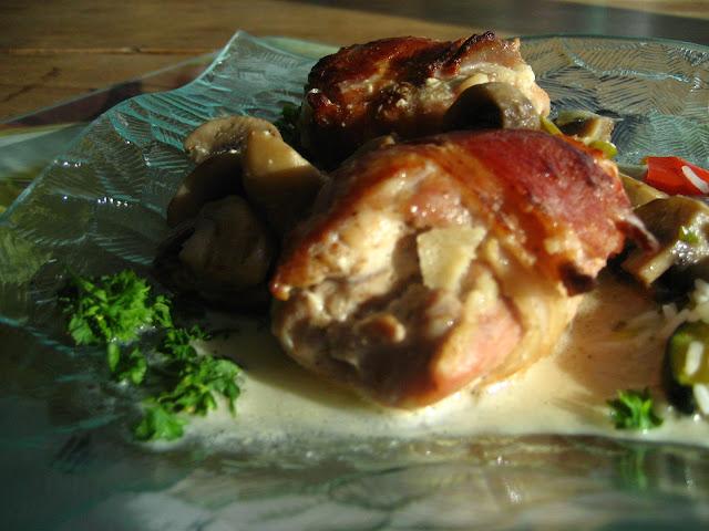 marie est dans son assiette le poulet et le brut hauts de cuisse de poulet au ch vre et jus. Black Bedroom Furniture Sets. Home Design Ideas