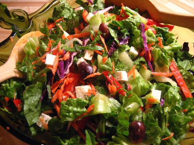 marie est dans son assiette salade grecque la mode de p lion. Black Bedroom Furniture Sets. Home Design Ideas