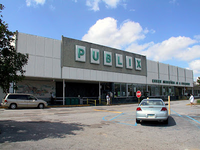 Pleasant Family Shopping Some 20th Century Publix Relics