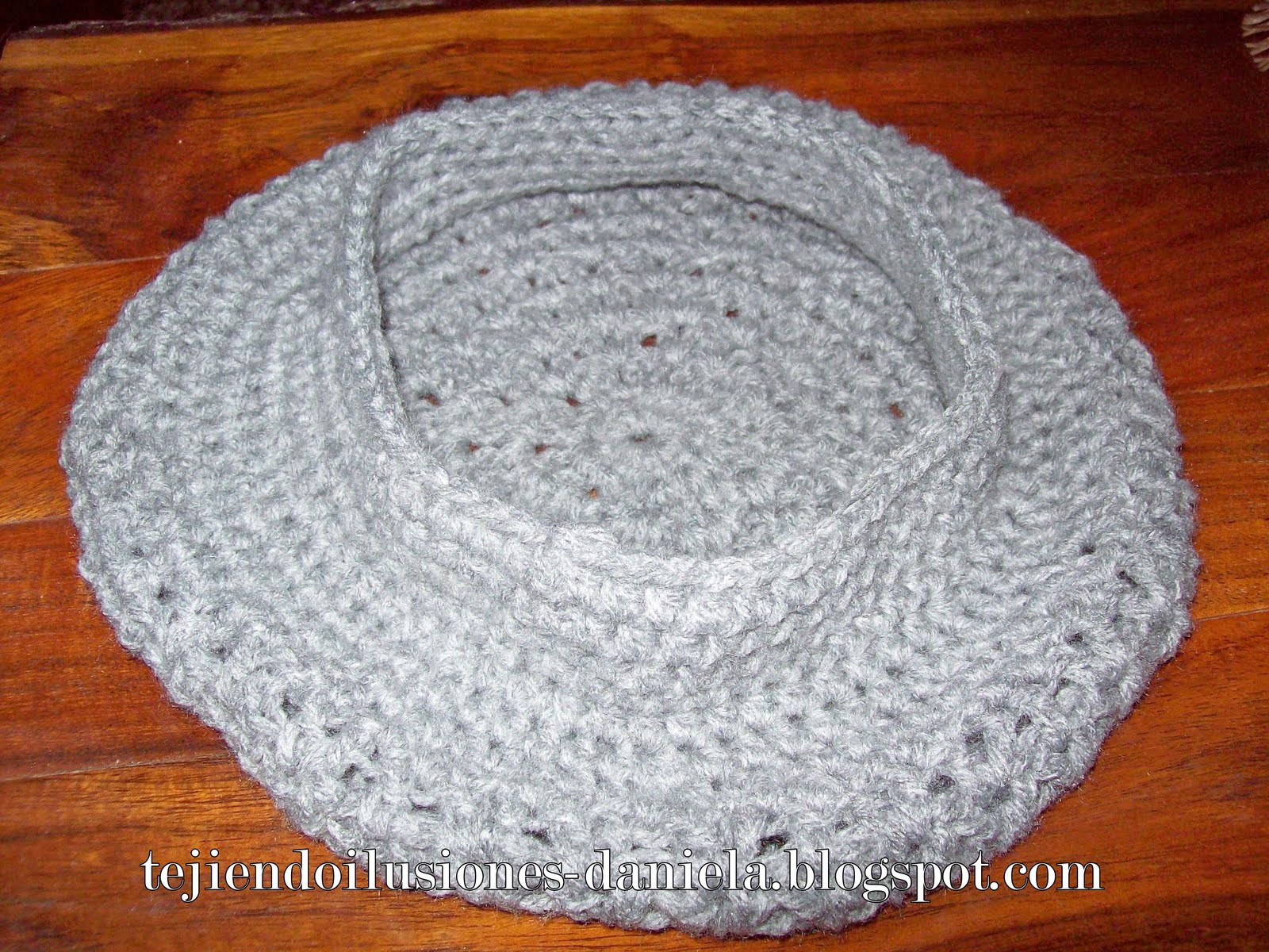 27d793516b79c Boinas Tejidas A Crochet Con Patrones Imagui - OneLetter.CO