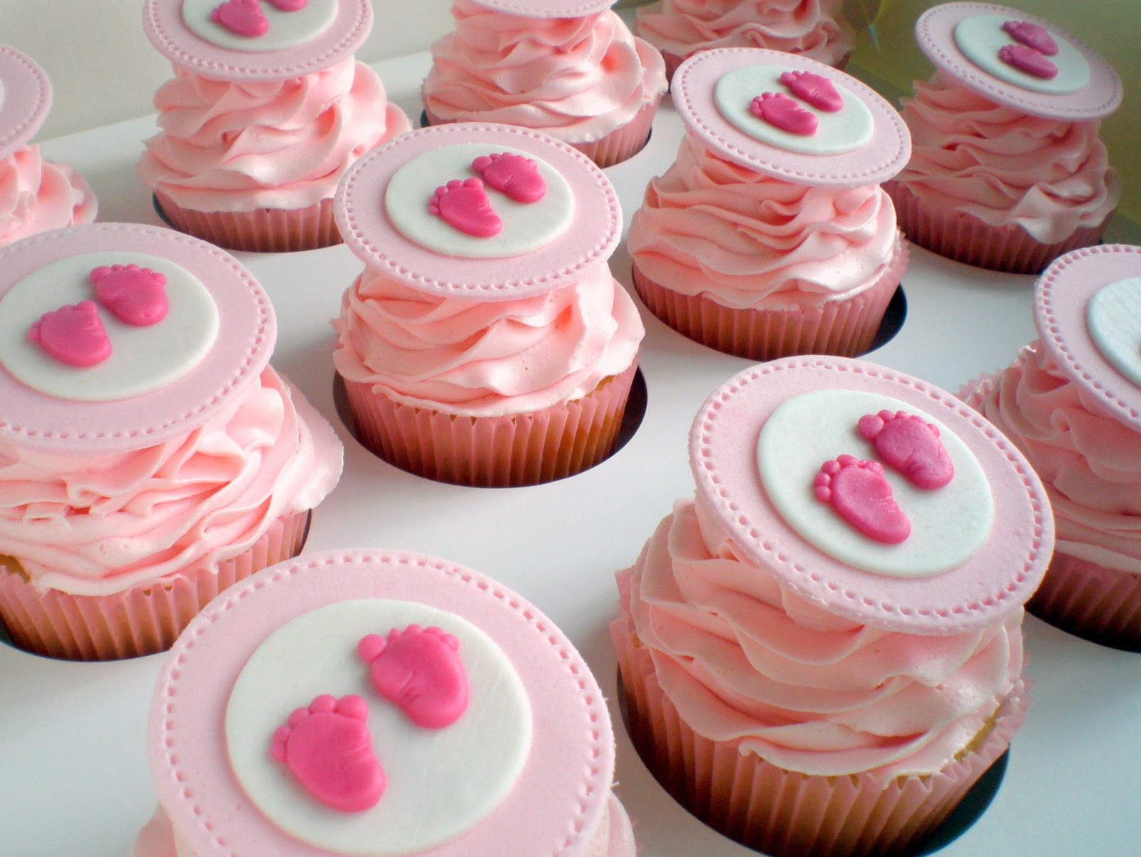Living Room Decorating Ideas: Baby Shower Cupcakes For A Girl