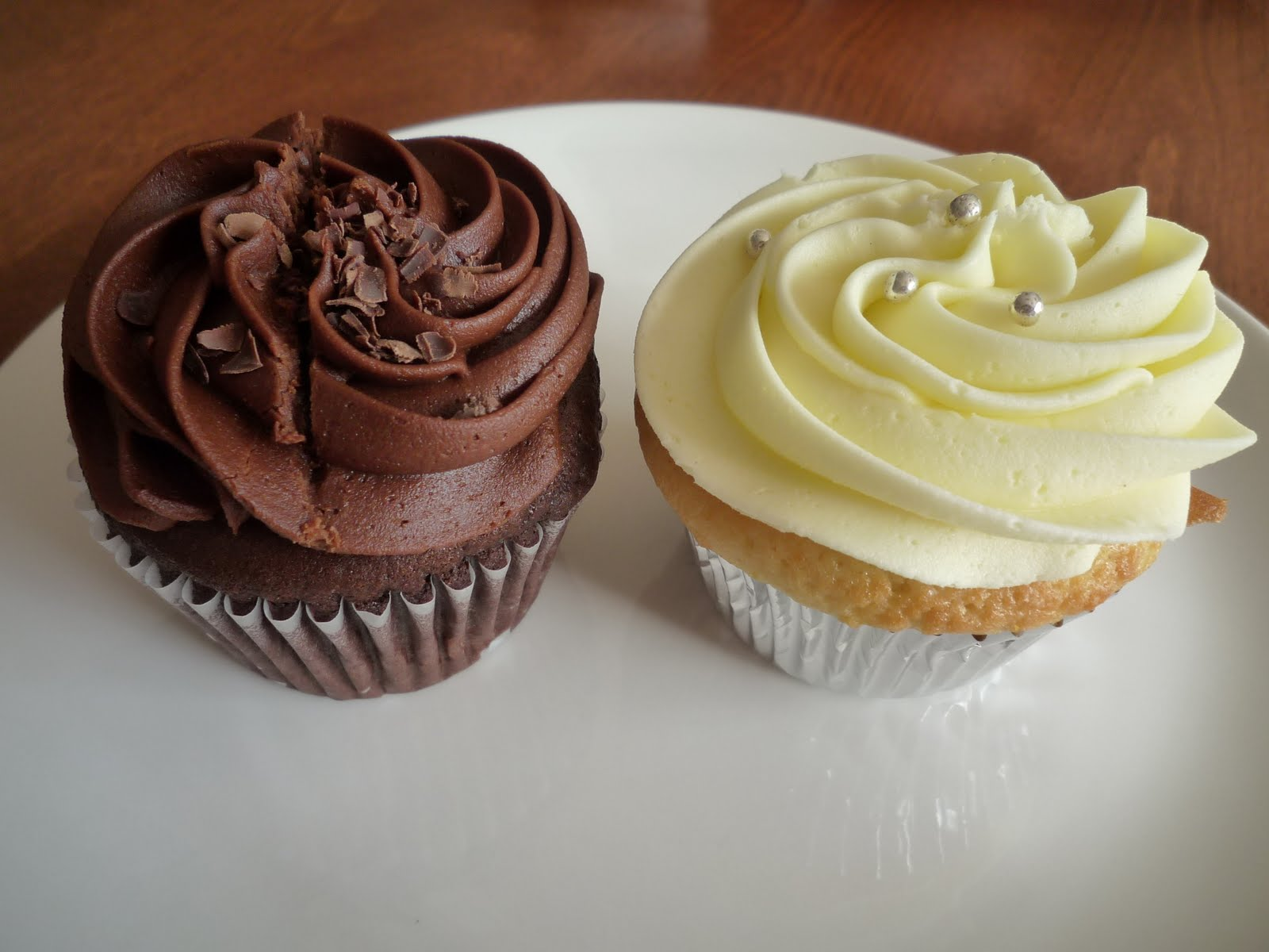 The Lime Shop: Review: Cupid's Gourmet Cupcakes