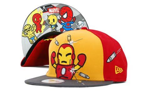 La marca favoritas de las chicas Tokidoki se unió otra vez con New Era para  presentarnos una colección de gorras inspiradas en los superheores de  Marvel y ... 6e7ceec2543
