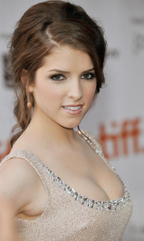 Hollywood Stars Style Anna Kendrick American Film And Stage Actress
