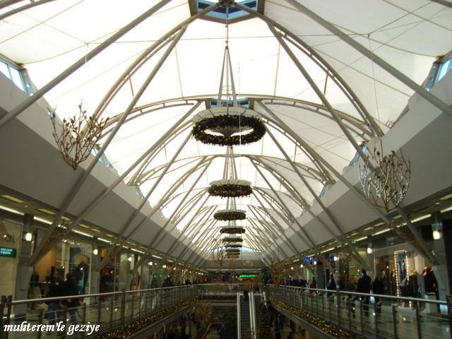 Metrocity Alışveriş Merkezi içinden resimler