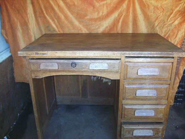 Ancien petit bureau administratif - Bureau enfant ancien ...