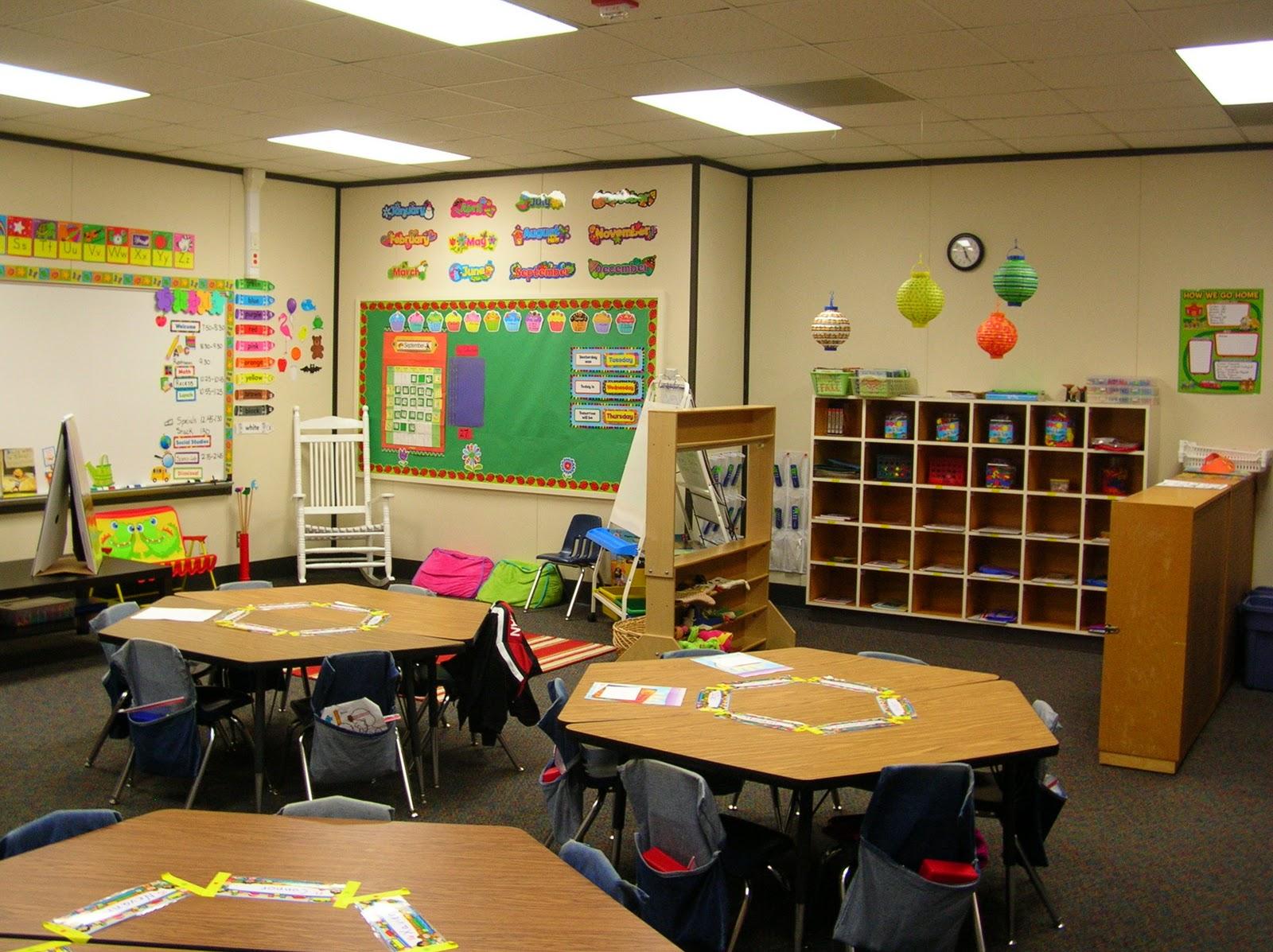 Kindergarten Class: The Cutest Little House In Town: September 2010