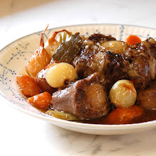 SLOW SIMMER OXTAILS