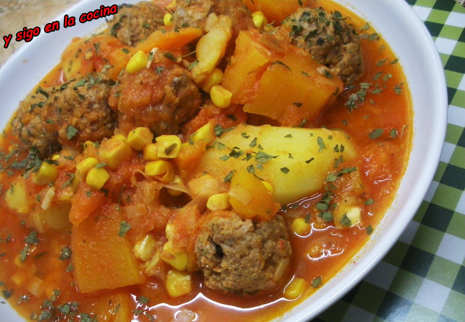 y sigo en la cocina Guiso criollo y Feria de la Calabaza en Sant Feliu de Codines