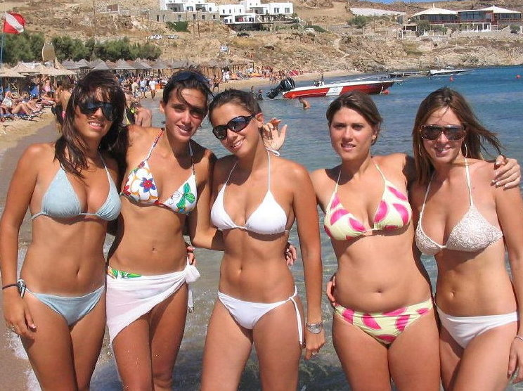 I Want To Go To The Beach Sexy Young Ladies On Holiday-4718