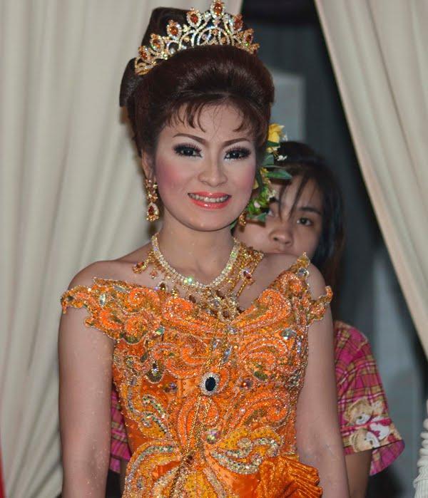 Judi And Colin In Cambodia: Cambodian Wedding Extravaganza