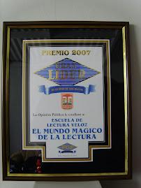 PREMIO GRAN LIDER 2007, otorgado por el MUNICIPIO DE LOS OLIVOS Y PERUANA DE OPINIÓN, 5 de dic.