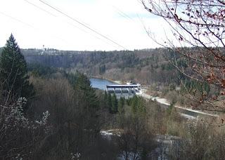 Blick ins Isartal nördlich der Römerschanze bei Grünwald in Richtung Baierbrunn