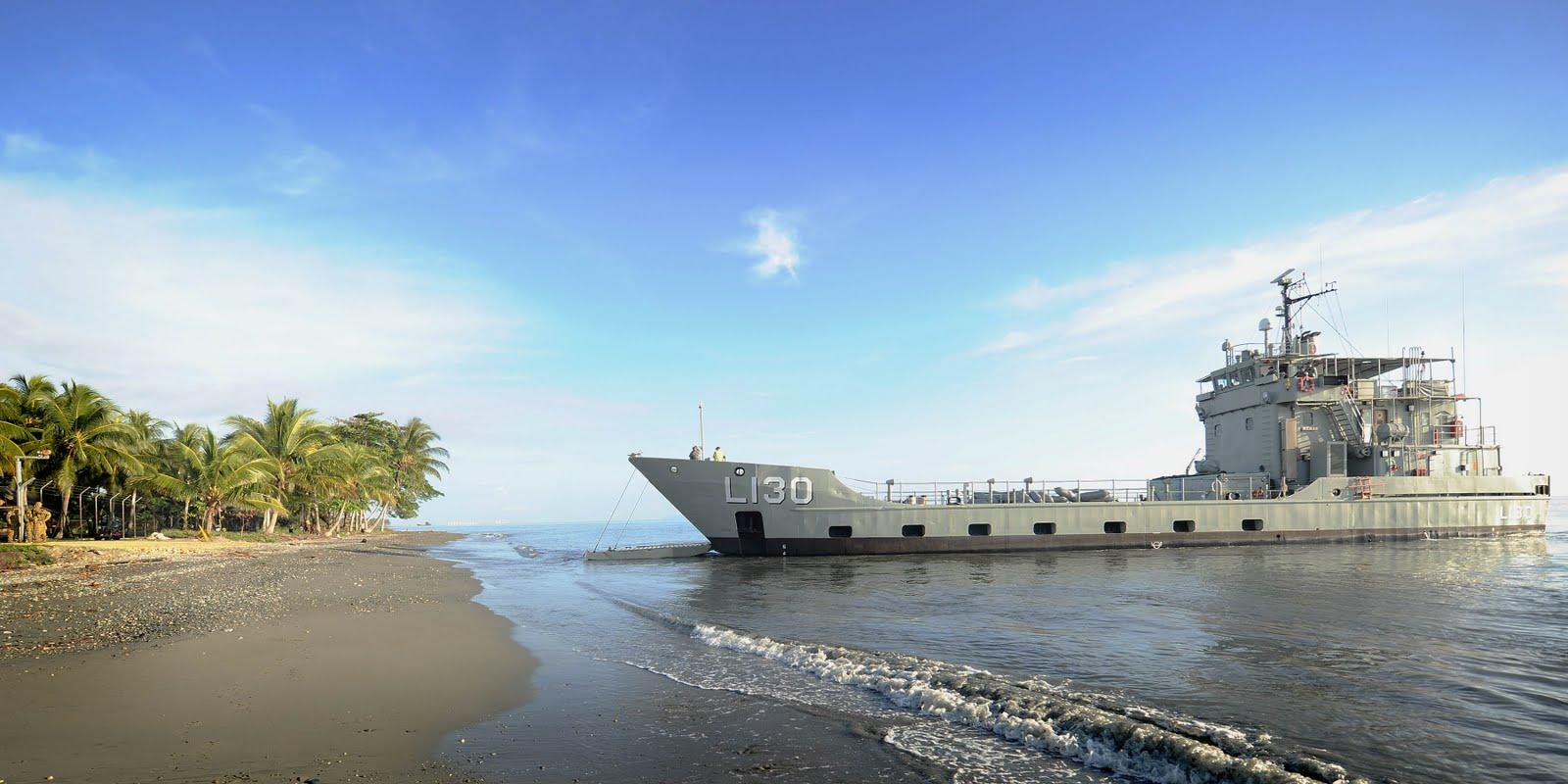 Naval Photos: HMAS Wewak (L130)