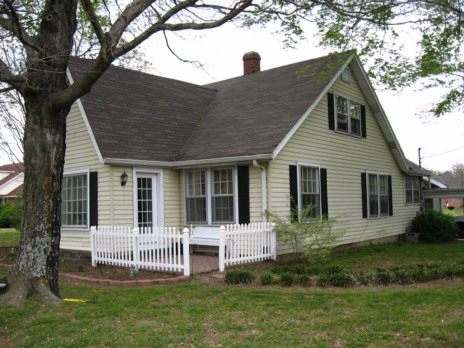 My Yellow Farmhouse Blog Old Yellow Farm House