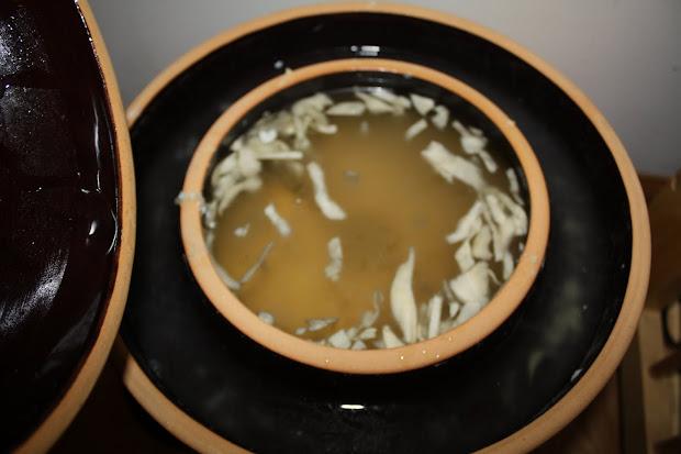 Sauerkraut Fermenting Crock