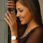 Madhu Shalini Tamil Actress