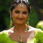 Anushka Shetty Looking Spicy In Green Blouse And Jewelery   Hq  Photos...