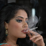 Sexy Mallu Actress Mumtaz With Spicy Expressions In Saree From  Rajadhiraja...