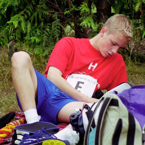 Boys in short shorts: July 2009