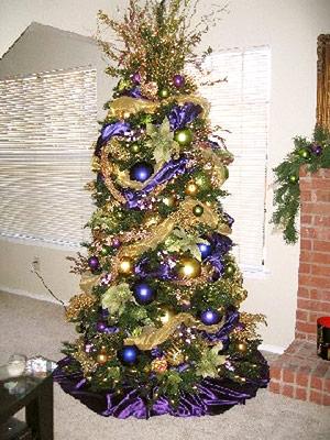 Las fiestas llegaron ya ideas para decorar el arbol de - Arbol de navidad morado ...