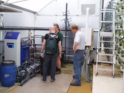 Javi y Dan en el Sistema Verticrop del Zoo de Paington, zona de bombas y control