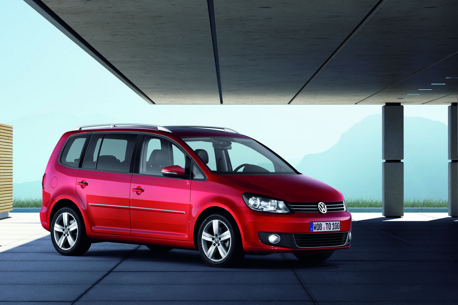 2011 volkswagen touran 7 seater mpv receives second mid life facelift carscoops. Black Bedroom Furniture Sets. Home Design Ideas