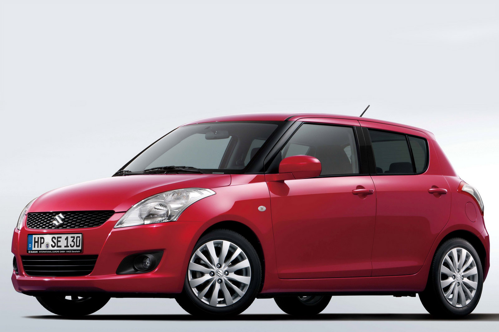new suzuki swift breaks cover no really it 39 s a. Black Bedroom Furniture Sets. Home Design Ideas