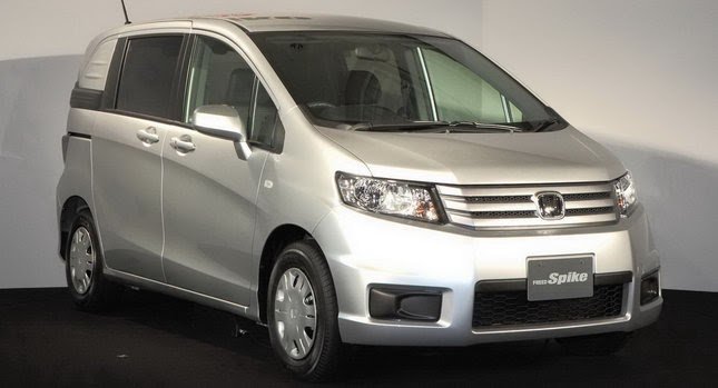 "Cars With 3 Rows Of Seats >> New Honda Freed Spike ""Lifestyle"" Minivan Debuts in Japan"